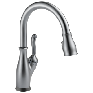 Delta Leland Single Handle Pull Down Kitchen Faucet LOC: S4b03 LF